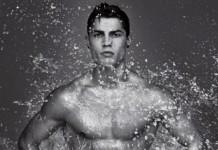 Cristiano Ronaldo lột xiêm y 04