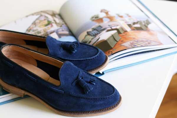 Đôi loafers da lộn của Mark McNairy