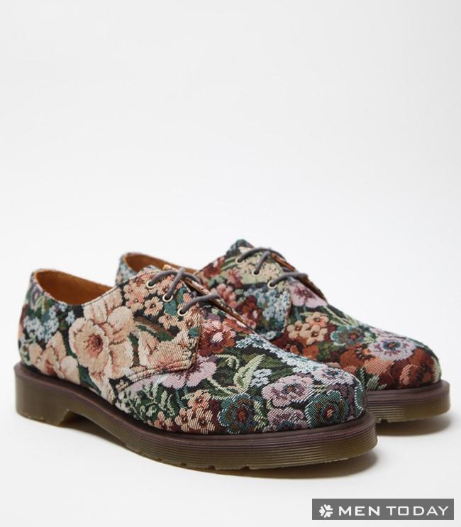 Giày nam họa tiết hoa lá