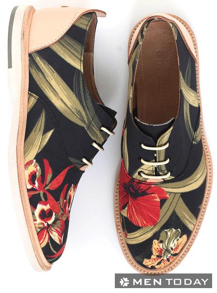 Giày hoa lá