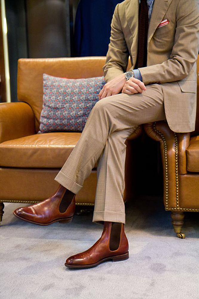 Chelsea boots màu nâu lịch lãm