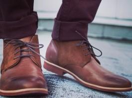 Chukka boots bụi bặm và nam tính