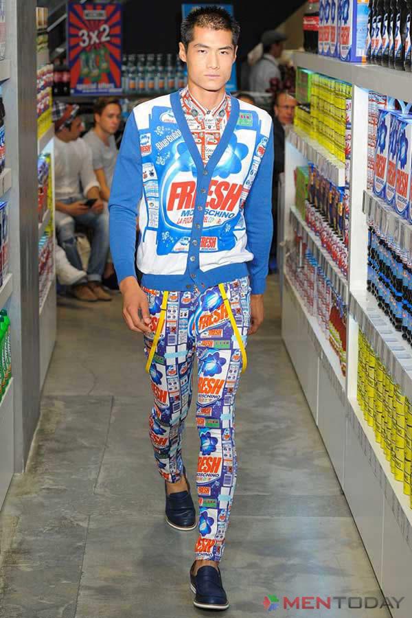 Mẫu cardigan màu mè của Moschino